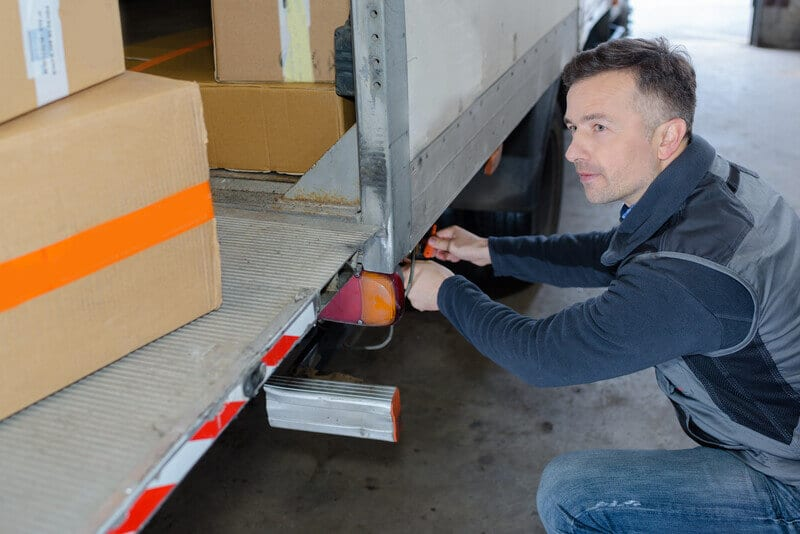 Finding Help Loading And Unloading Your Rental Truck