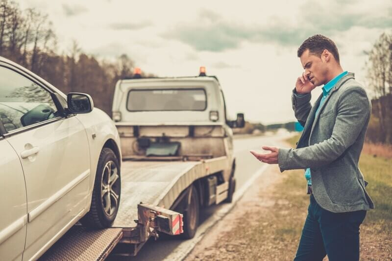 Should You Ship or Tow Your Car behind Your Rental Moving Truck?